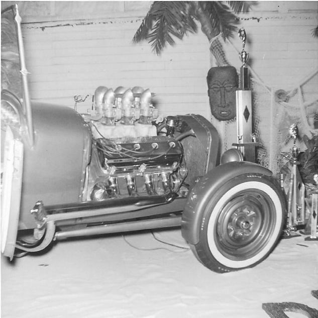 Vintage Car Show - Page 19 15094410