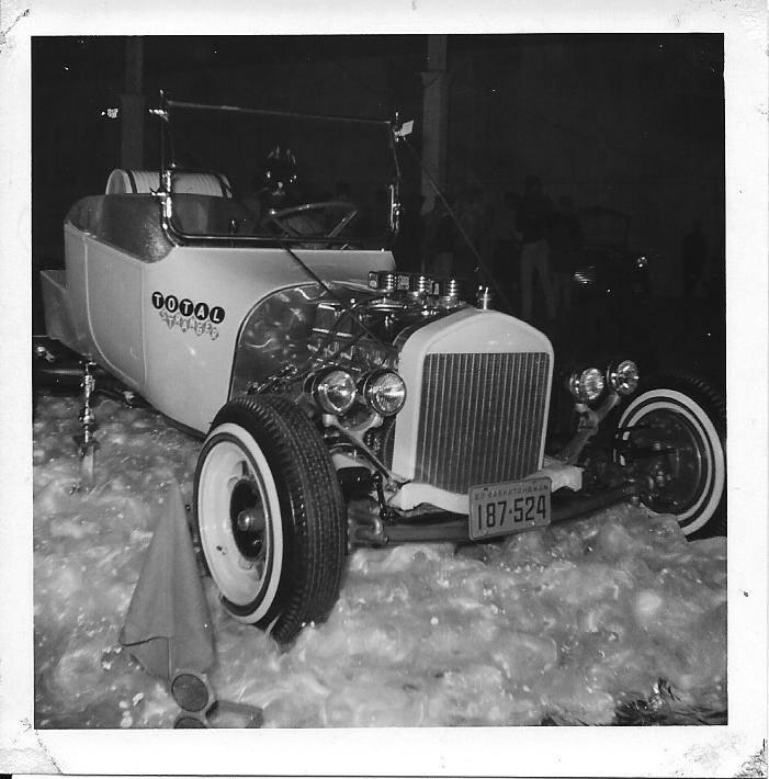 Vintage Car Show - Page 19 15107410