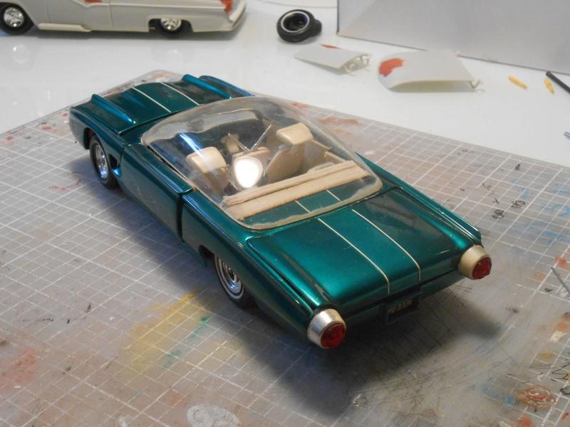 Vintage built automobile model kit survivor - Hot rod et Custom car maquettes montées anciennes - Page 8 15123212