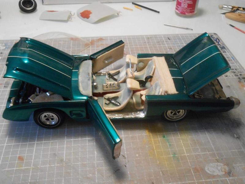Vintage built automobile model kit survivor - Hot rod et Custom car maquettes montées anciennes - Page 8 15128811