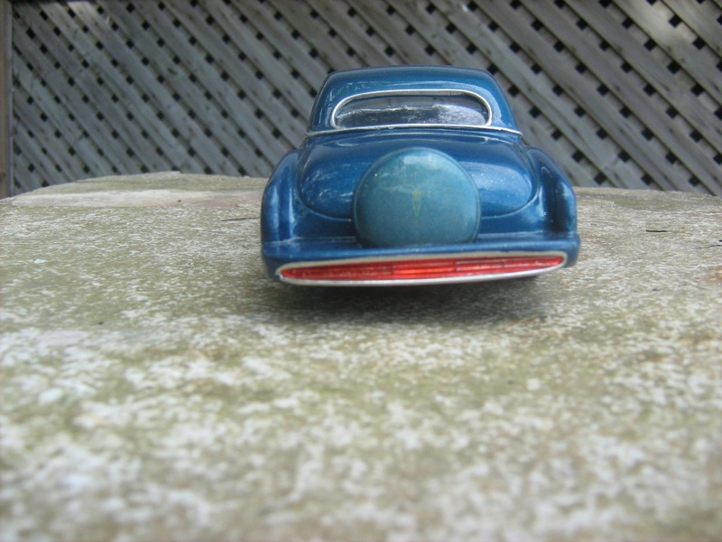 Vintage built automobile model kit survivor - Hot rod et Custom car maquettes montées anciennes - Page 8 15168710