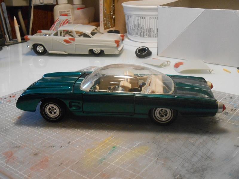 Vintage built automobile model kit survivor - Hot rod et Custom car maquettes montées anciennes - Page 8 15196012
