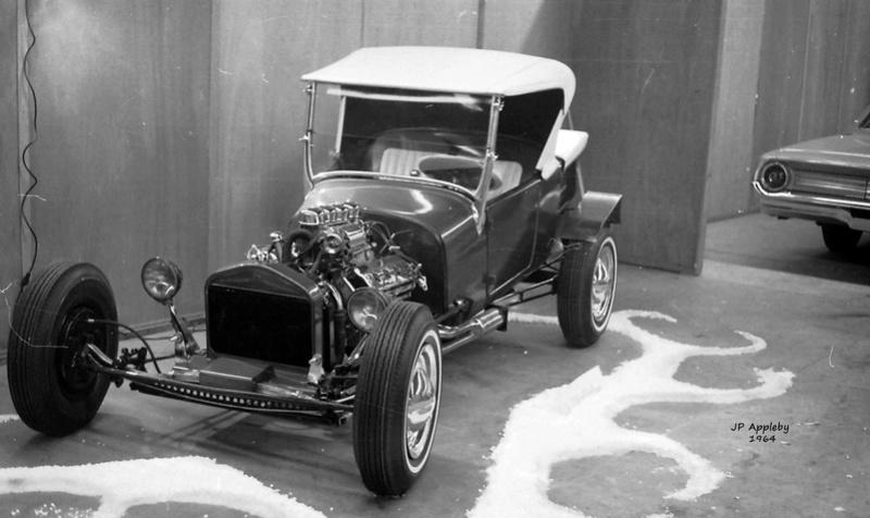 Vintage Car Show - Page 19 15196013