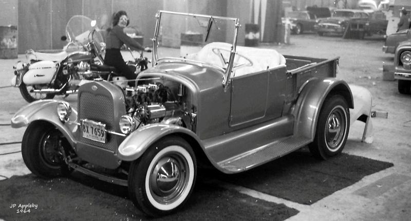 Vintage Car Show - Page 19 15235310