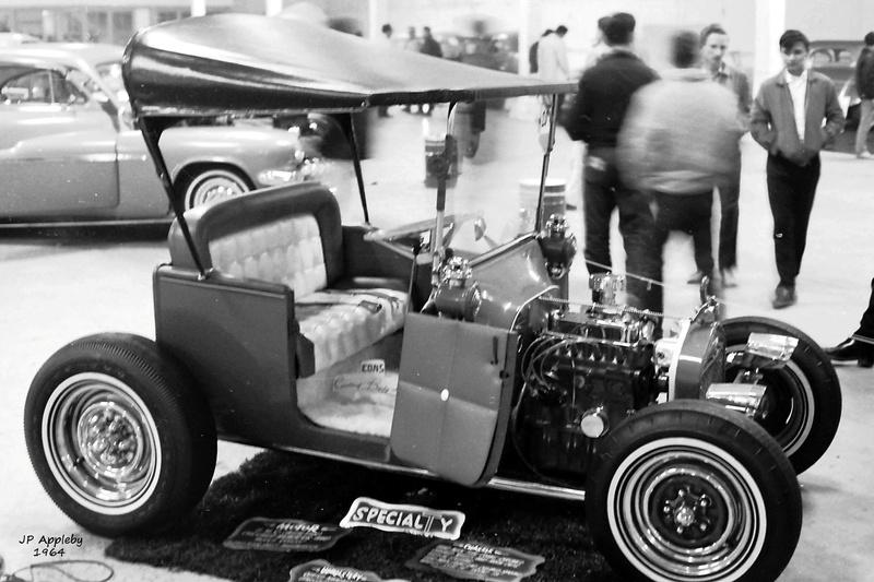 Vintage Car Show - Page 19 15235810