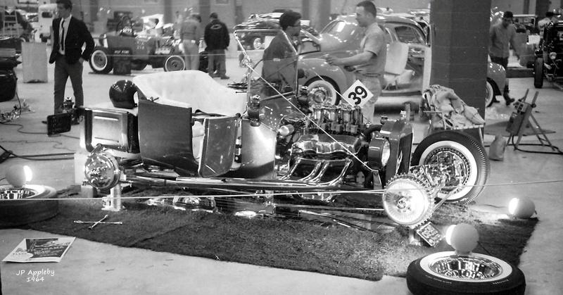 Vintage Car Show - Page 20 15325410