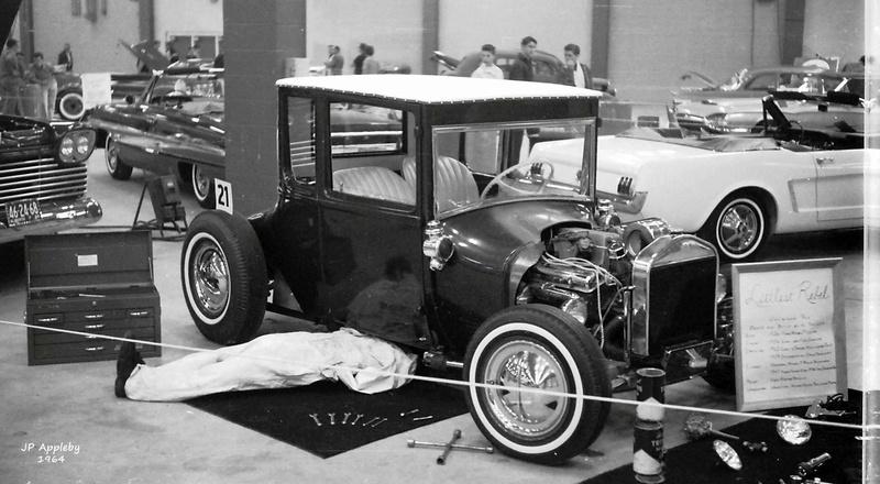 Vintage Car Show - Page 20 15393010