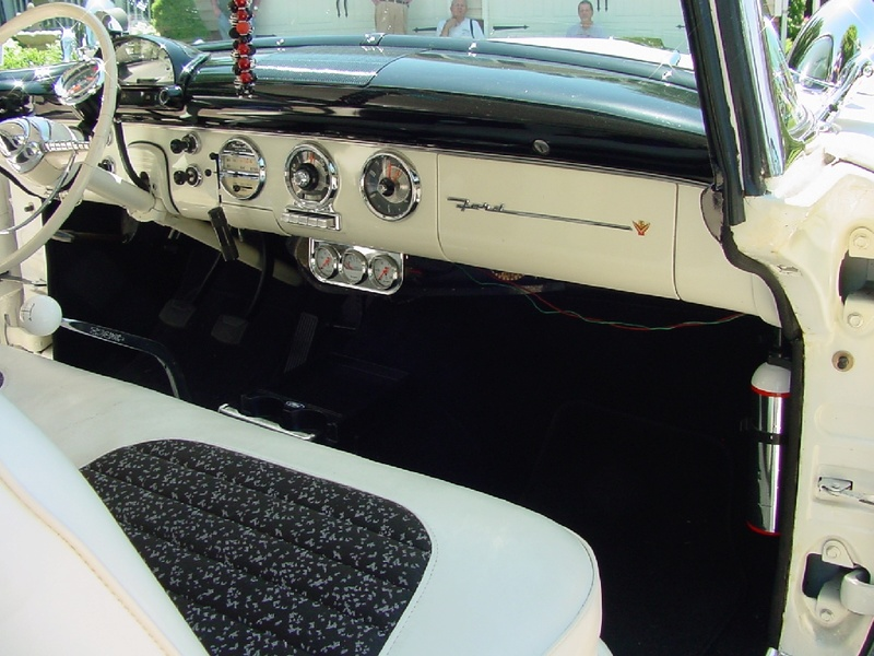 Ford 1955 - 1956 custom & mild custom - Page 6 Dsc02615