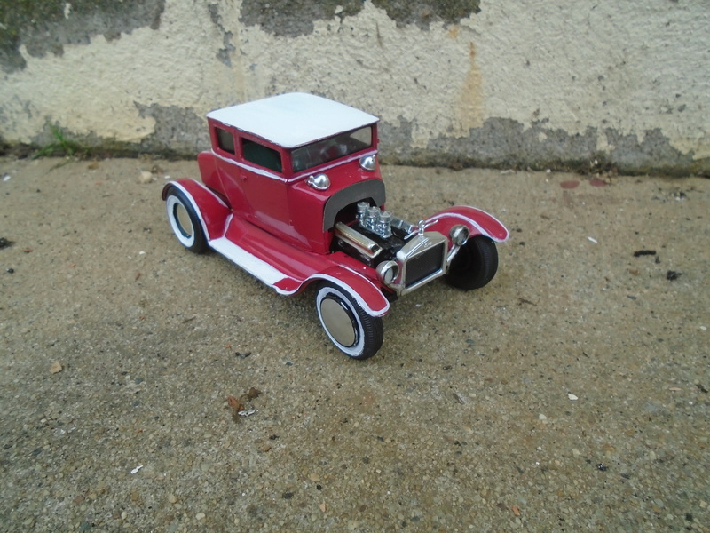 1925 Ford Model ' T' 3 in 1 - Amt - 1/25 scale Dsc05615