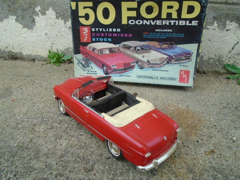 1950 Ford Convertible - customizing kit - trophie series - amt Dsc05623