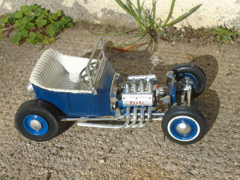 1925 Ford Model ' T' 3 in 1 - Amt - 1/25 scale Dsc05631