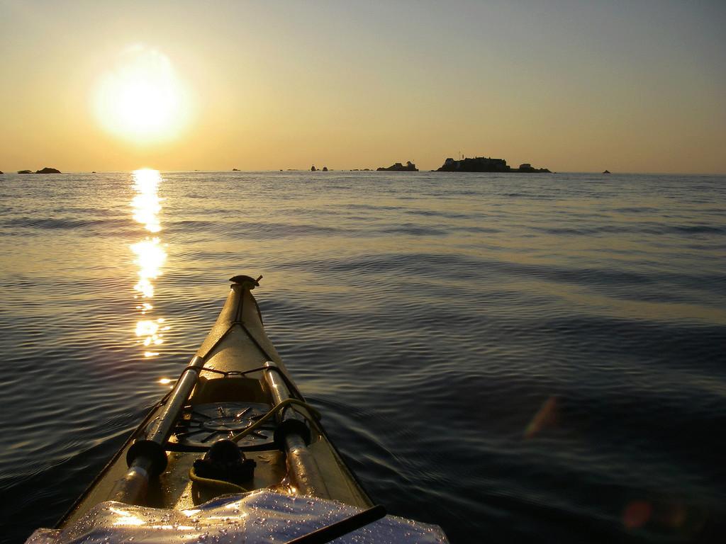Les incroyables maisonnettes en pleine mer sur les îlots des Écréhou. Imgp0210