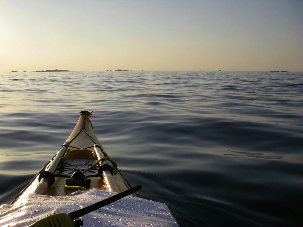 Les incroyables maisonnettes en pleine mer sur les îlots des Écréhou. Imgp0211