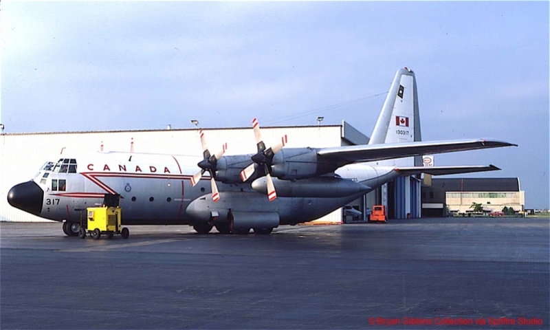 2 x C-130 HERCULE au 1/48ieme ! Lockhe10