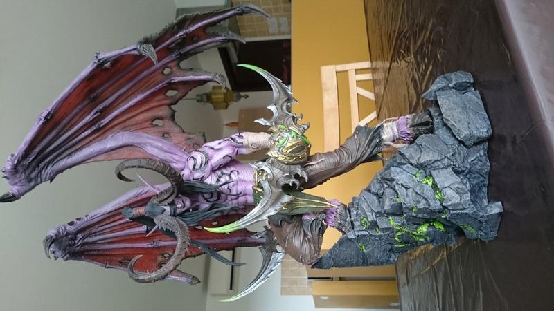 BLIZZARD - Illidan statue Dsc_0415