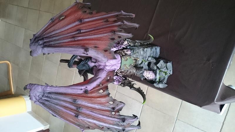 BLIZZARD - Illidan statue Dsc_0425