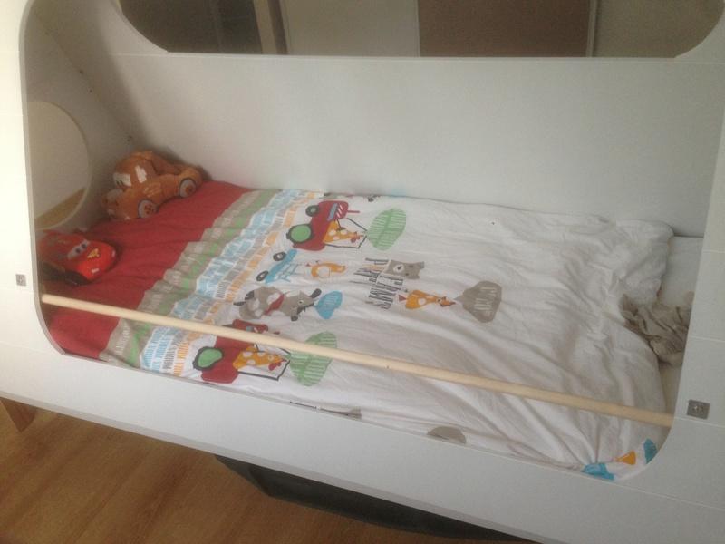 Barrière anti chute lit enfant 6317b410