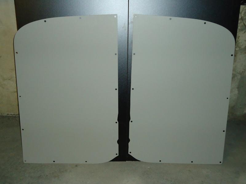 Cherche Panneau origine ou cp arrière partie haute D et G Dsc00310