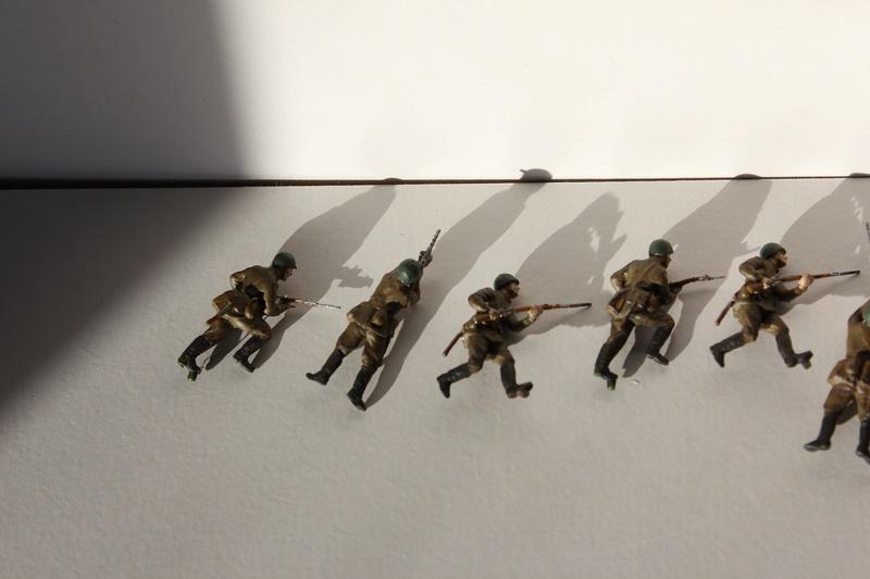 [Italeri] Diorama d'un Mathilda MK.II soviètique       au 1/72  Img_8642