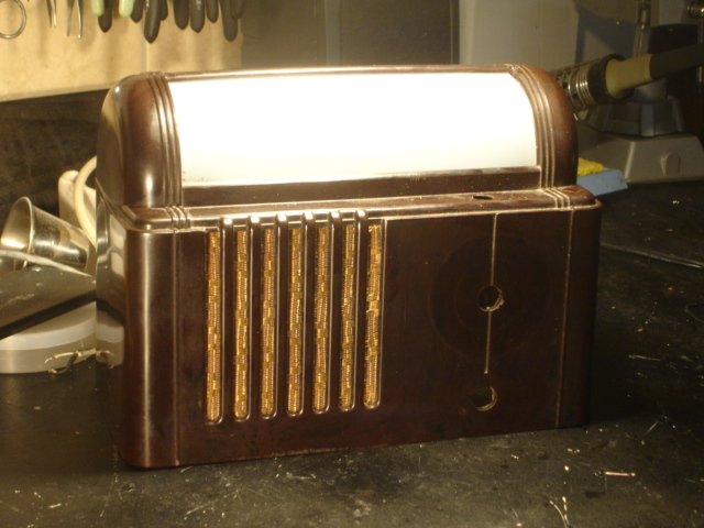 Mitchel (Lullaby) Model 1250 Bedside radio Dsc00017