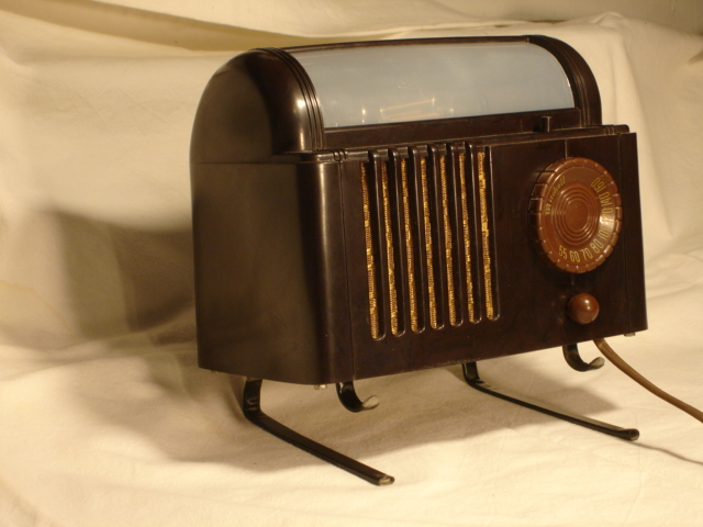 Mitchel (Lullaby) Model 1250 Bedside radio Dsc00018