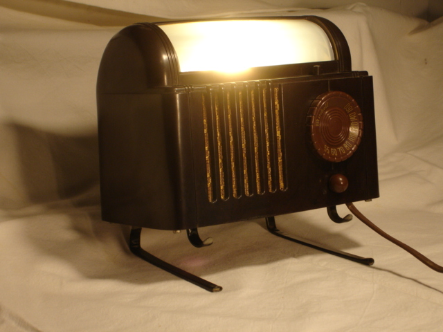 Mitchel (Lullaby) Model 1250 Bedside radio Dsc00019
