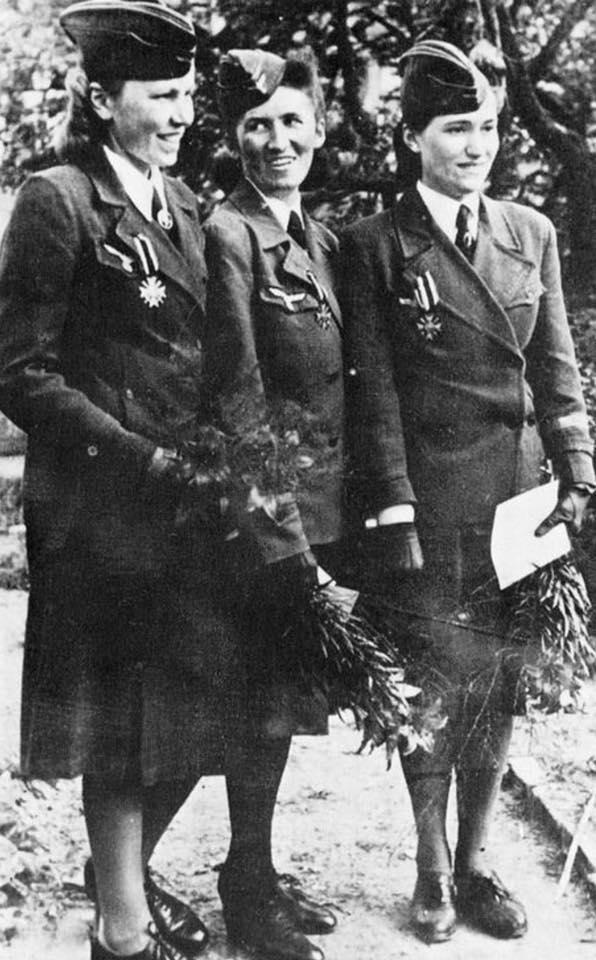 LES FEMMES DANS L'ARMEE ALLEMANDE : LES HELFERINES 19149810