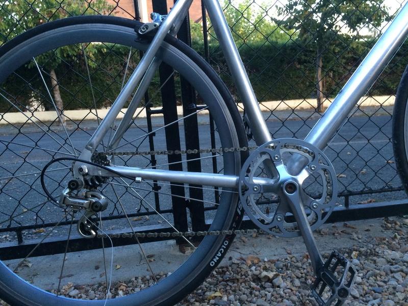 vélo urbain léger, ou comment recupérer un cadre de déchetterie Img_2610