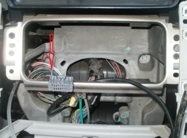 Installation d'un lecteur DVD - GPS  - Page 3 Prise_15
