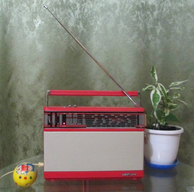 Бытовые радиоприёмники СССР Img_7036