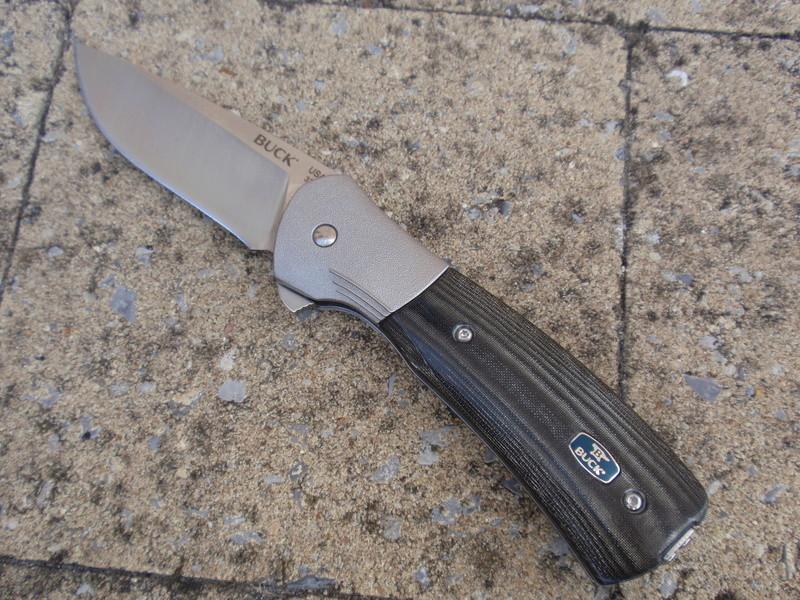 La collection de Couper au couteau - Page 13 Pa094412