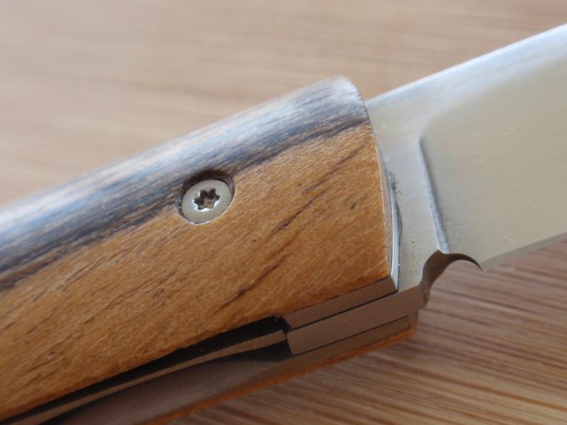 La collection de Couper au couteau - Page 12 Pb114425