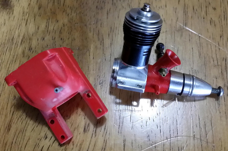 For Sale-  Cox Medallion .049 w/ Tank Mount Like new Md10