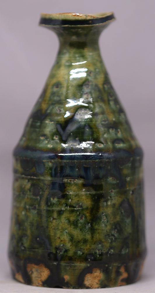 A pair of small tokkuri by Okabe Mineo (1919-1990) Img_2810