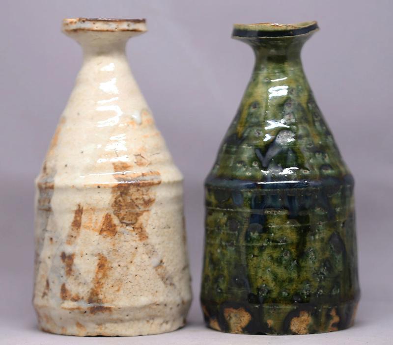 A pair of small tokkuri by Okabe Mineo (1919-1990) Img_2814