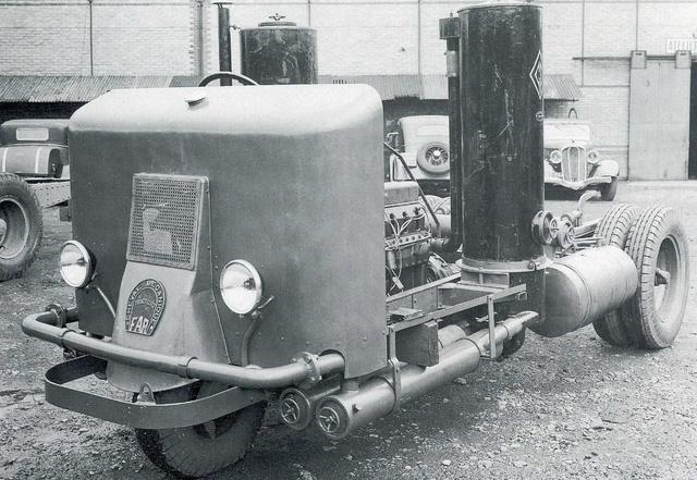 Le GAZOGENE et la voiture des français de 39 à 45 Img34110