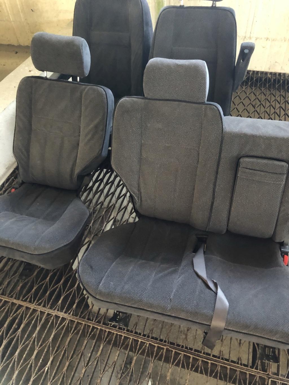 Vend sièges tissus gris 5ae96410