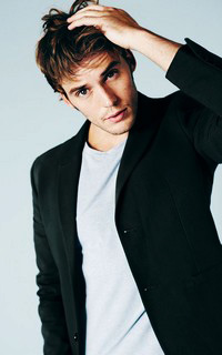 Sam Claflin Sam_110