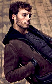 Sam Claflin Sam_210