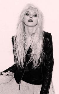 Taylor Momsen Taylor11