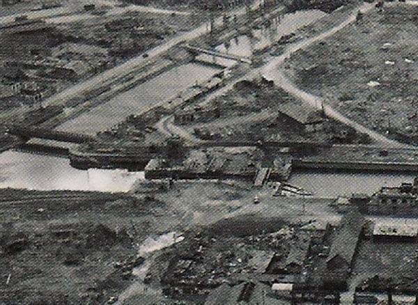 les ponts de Caen sur l'Orne à la date du 6 juin 1944 Ecluse10