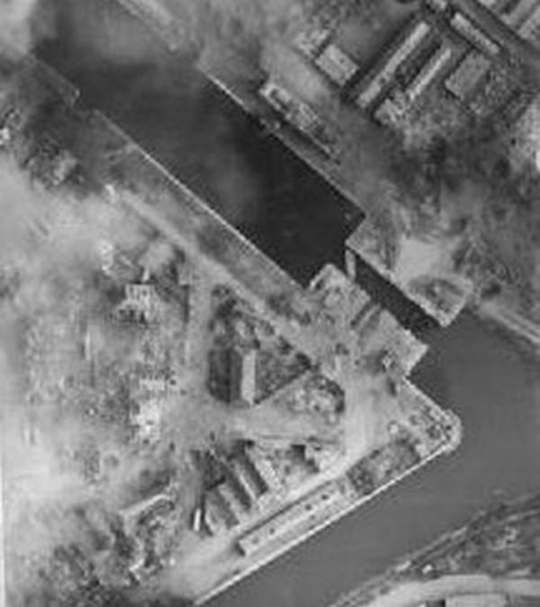 les ponts de Caen sur l'Orne à la date du 6 juin 1944 Ecluse11