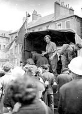 Le débarquement à Caen Evacua12
