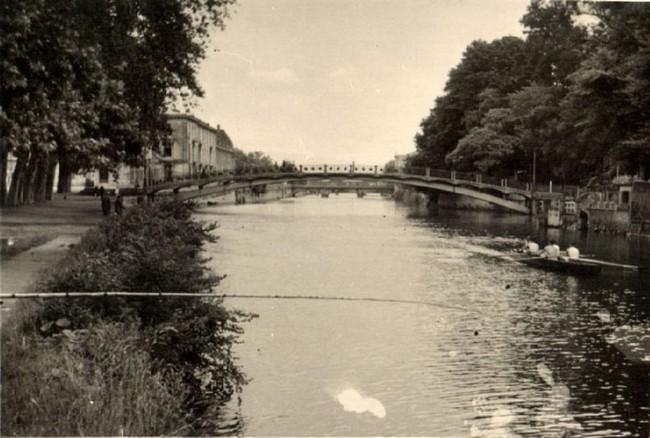 les ponts de Caen sur l'Orne à la date du 6 juin 1944 Passer12
