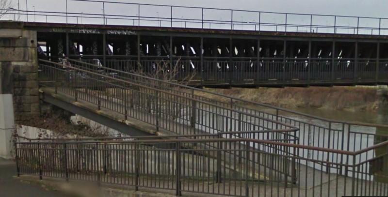 les ponts de Caen sur l'Orne à la date du 6 juin 1944 Passer14
