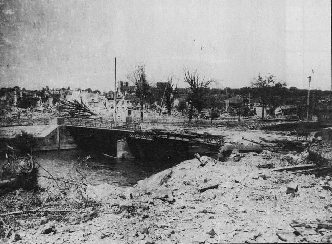 les ponts de Caen sur l'Orne à la date du 6 juin 1944 Pont-d12