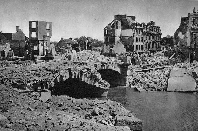 les ponts de Caen sur l'Orne à la date du 6 juin 1944 Pontde10