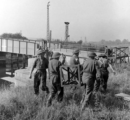 les ponts de Caen sur l'Orne à la date du 6 juin 1944 Sapper10