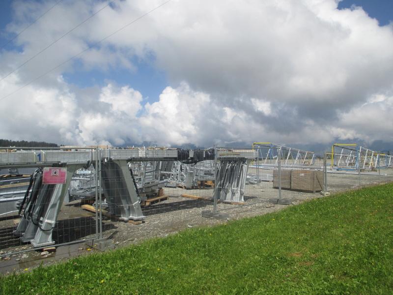 Construction du télésiège débrayable 6 places (TSD6) de Bisanne - Page 3 Img_2013
