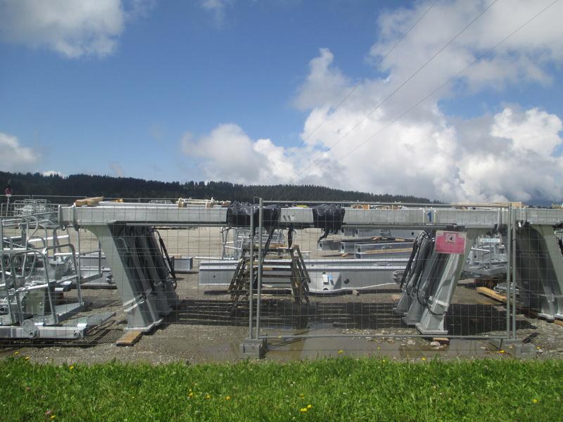 Construction du télésiège débrayable 6 places (TSD6) de Bisanne - Page 3 Img_2014
